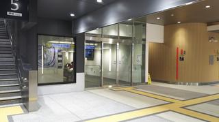 新潟駅在来線待合室
