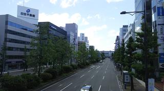 東大通り流作場五差路から新潟駅方面